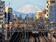 今朝の富士山と京王電車