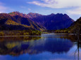 早朝の大正池と穂高連峰