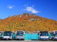 じょうてつバスと八剣山の紅葉
